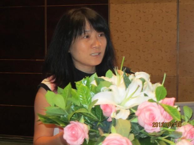 国际锌协会上海代表处首席代表黄煌热烈欢迎参会的代表